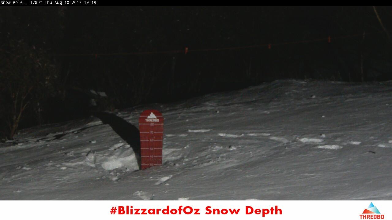 thredbo-snow-pole-1502357103.jpg