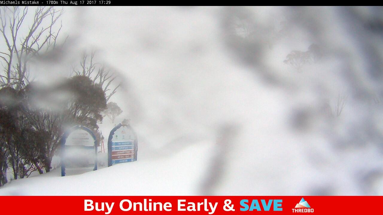 thredbo-snow-pole-1502957402.jpg