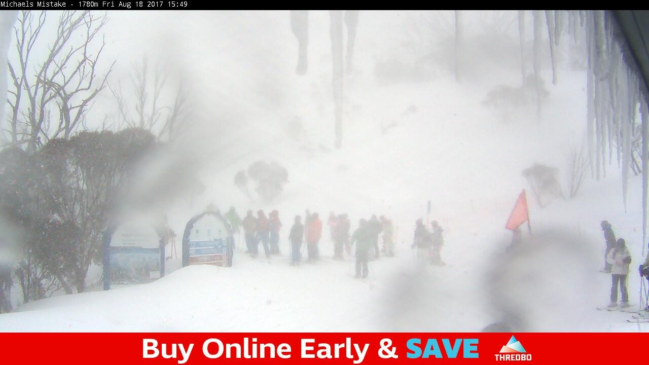 thredbo-snow-pole-1503035702.jpg