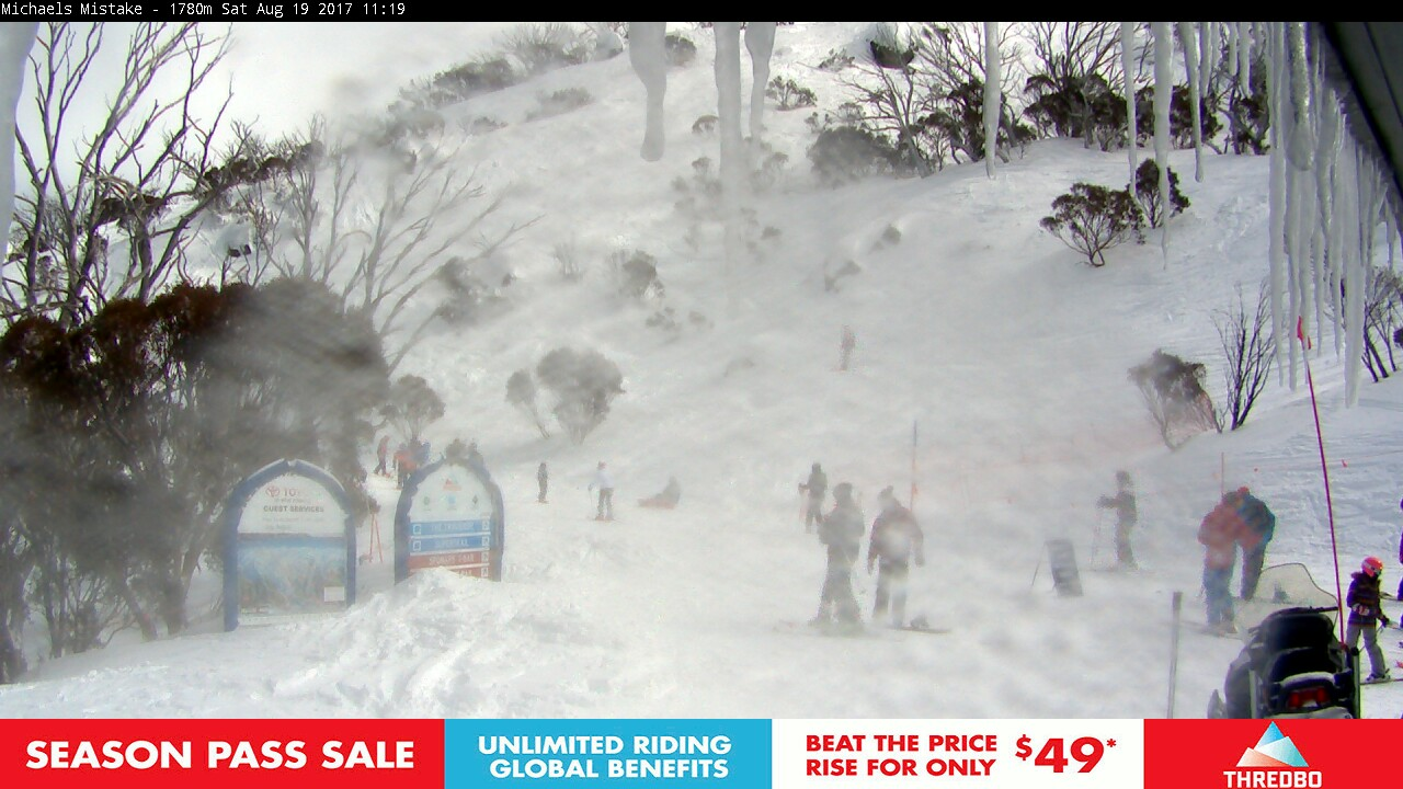 thredbo-snow-pole-1503105902.jpg