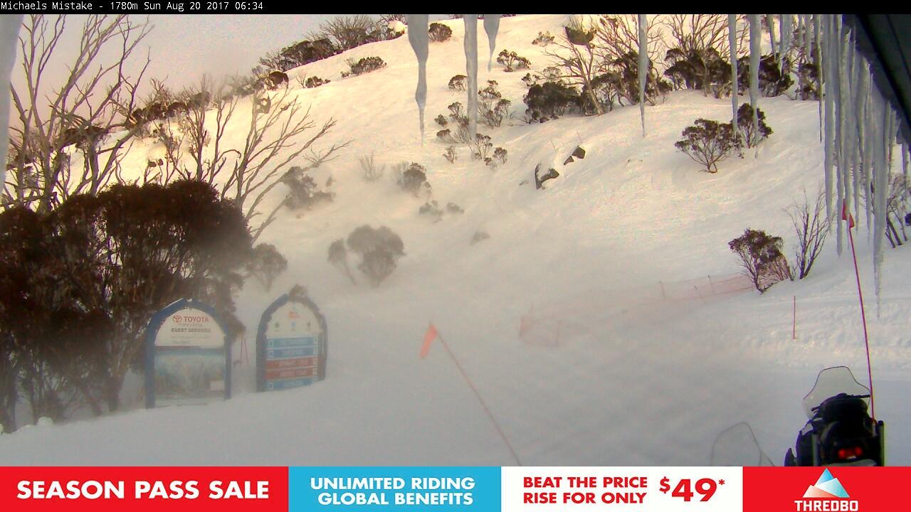 thredbo-snow-pole-1503175203.jpg