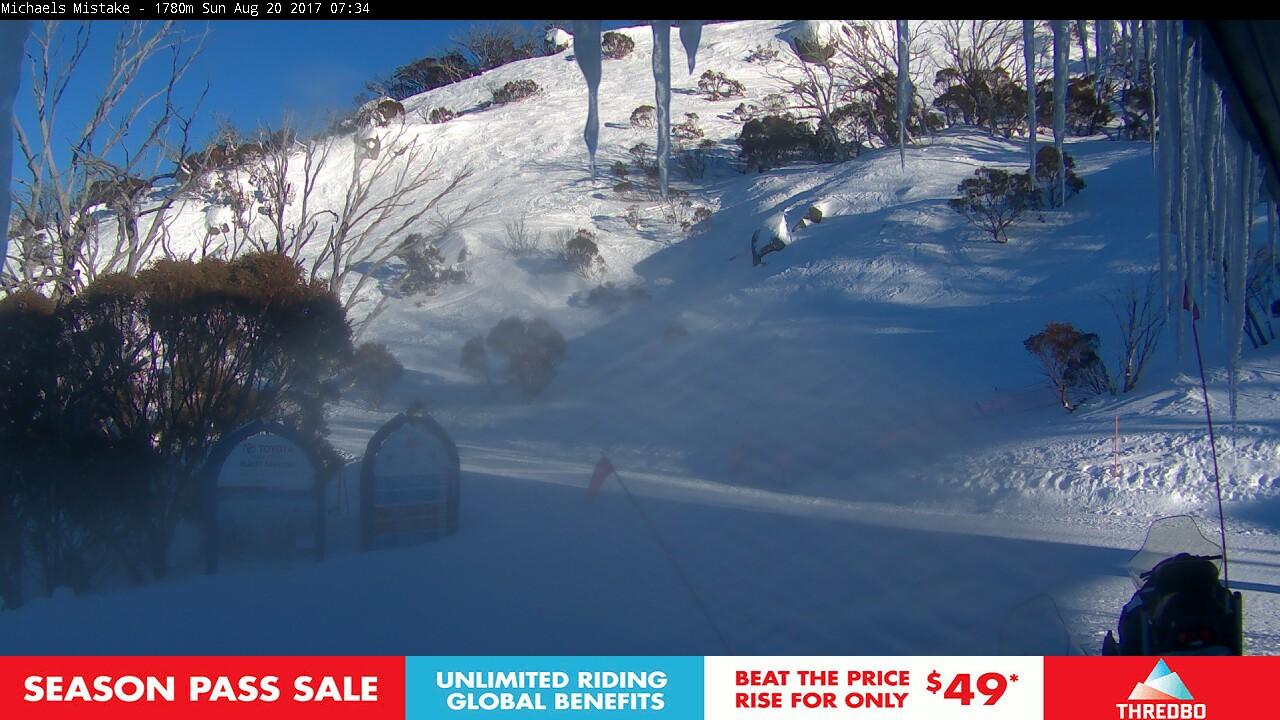 thredbo-snow-pole-1503178822.jpg