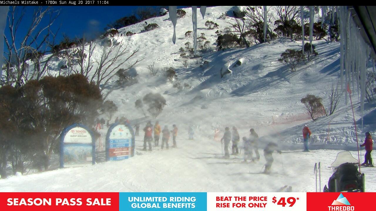 thredbo-snow-pole-1503191401.jpg