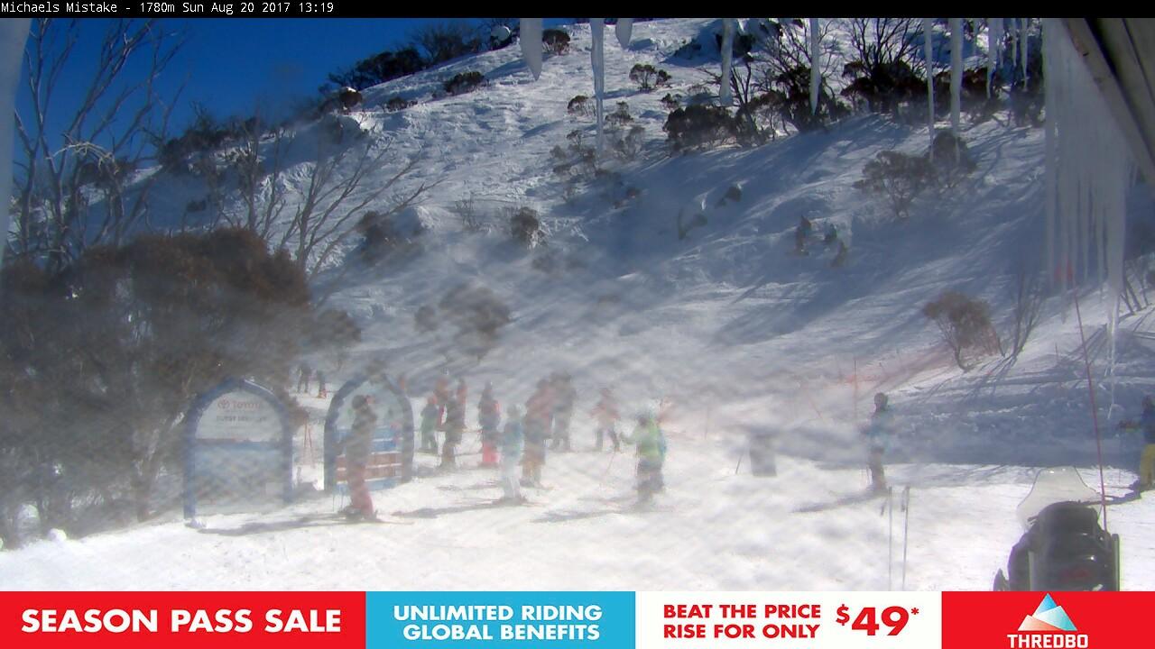 thredbo-snow-pole-1503199503.jpg