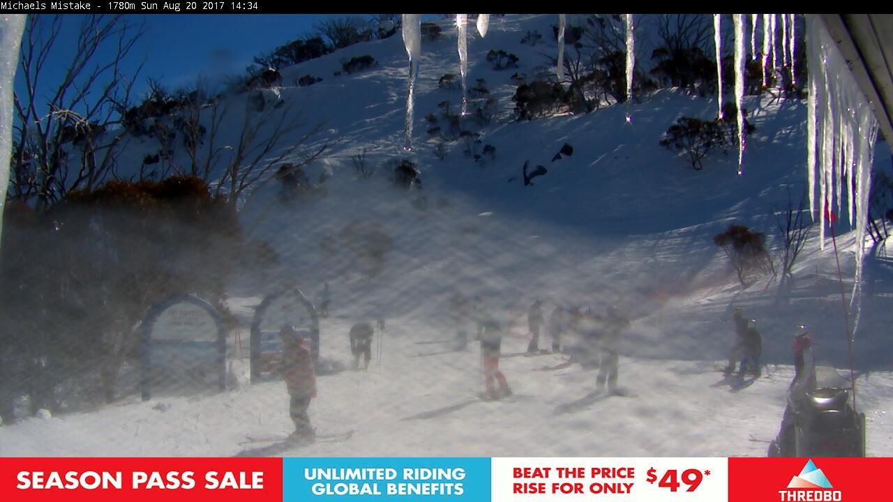 thredbo-snow-pole-1503204003.jpg