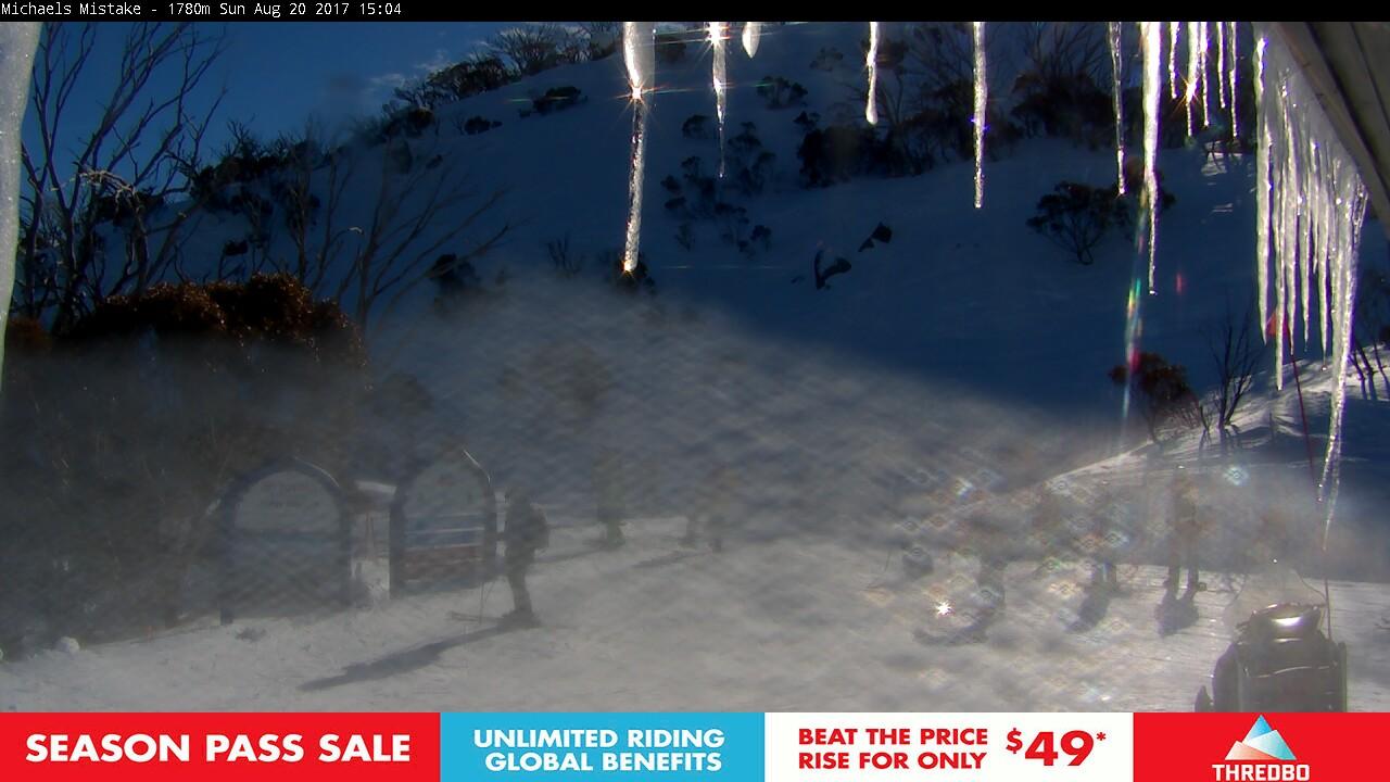 thredbo-snow-pole-1503205826.jpg