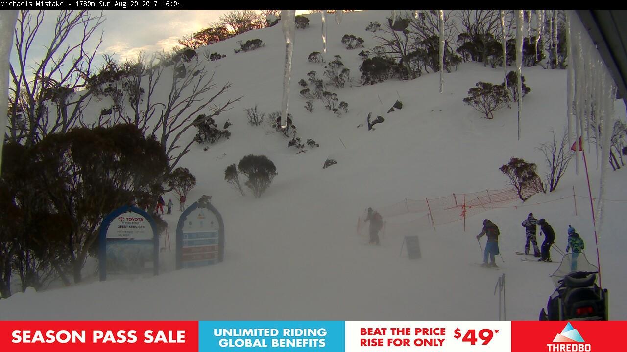 thredbo-snow-pole-1503209401.jpg