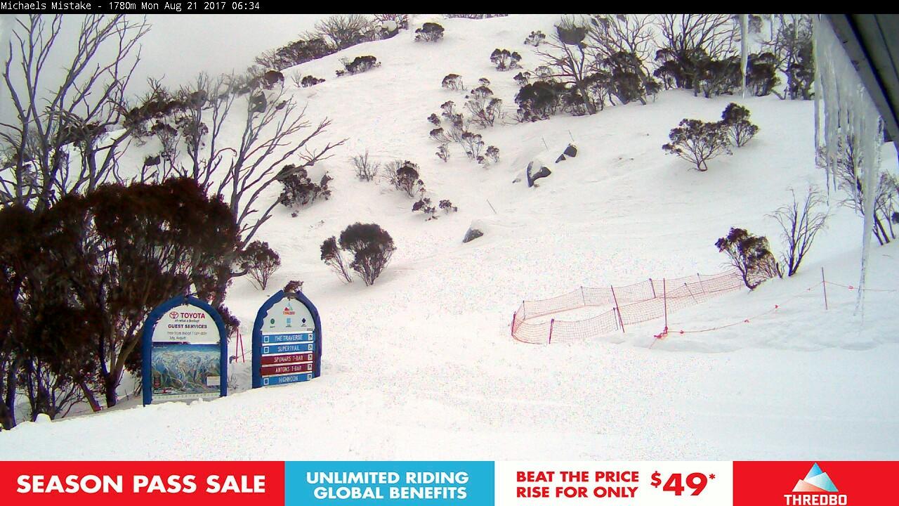 thredbo-snow-pole-1503261621.jpg