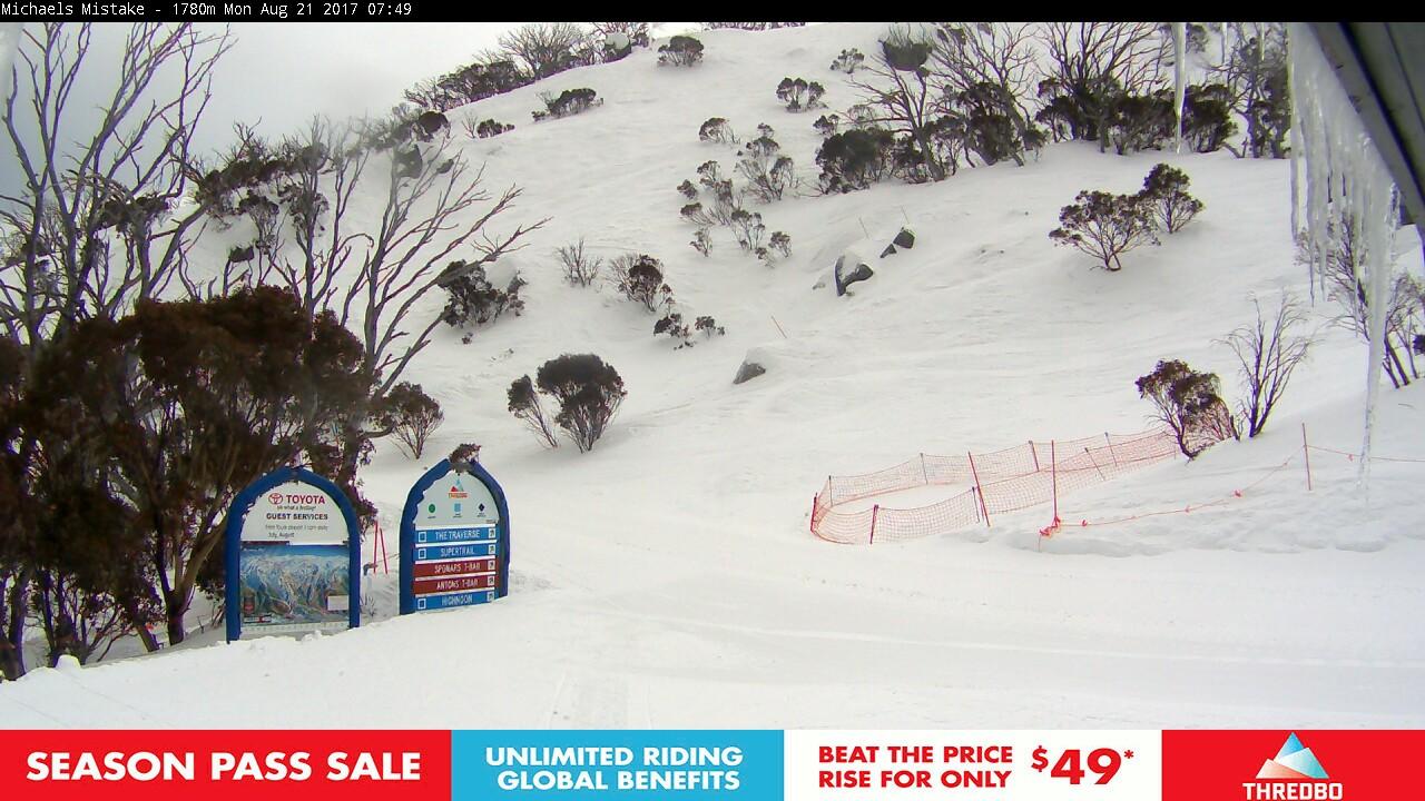 thredbo-snow-pole-1503266102.jpg