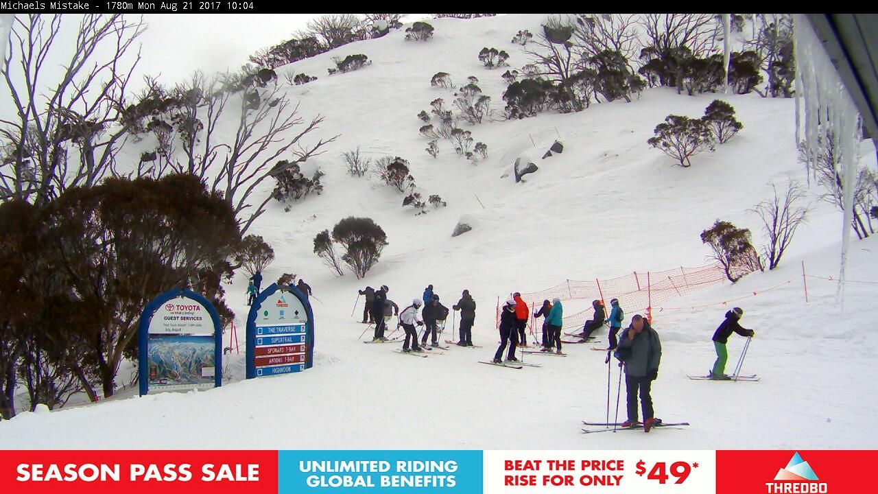 thredbo-snow-pole-1503274202.jpg