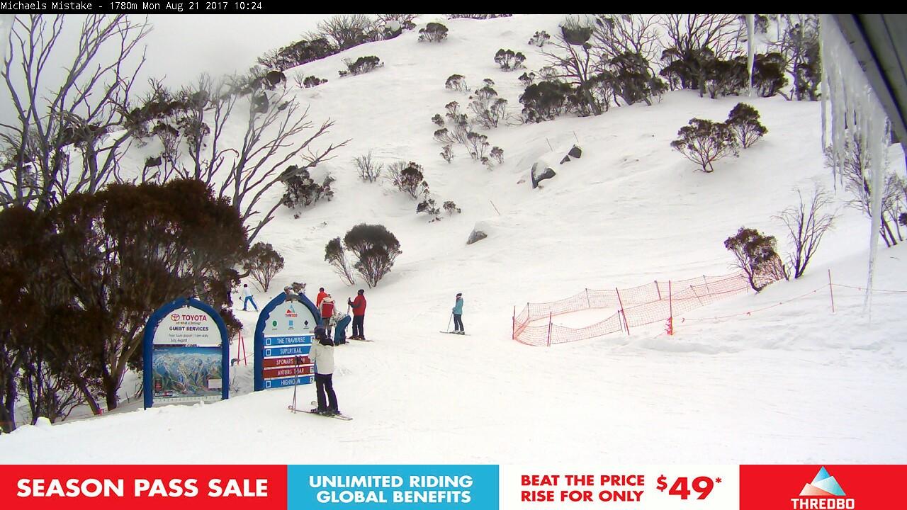 thredbo-snow-pole-1503275170.jpg