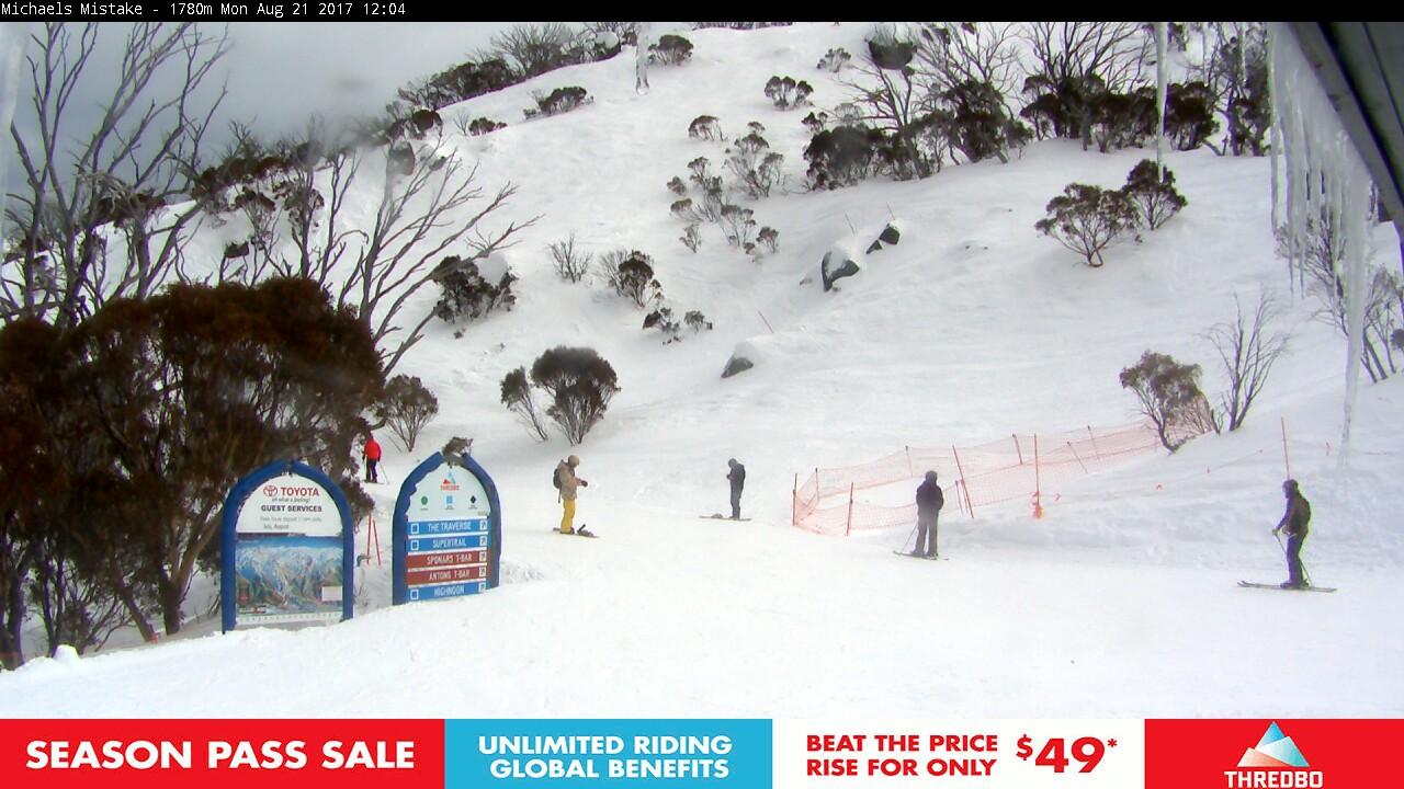 thredbo-snow-pole-1503281402.jpg