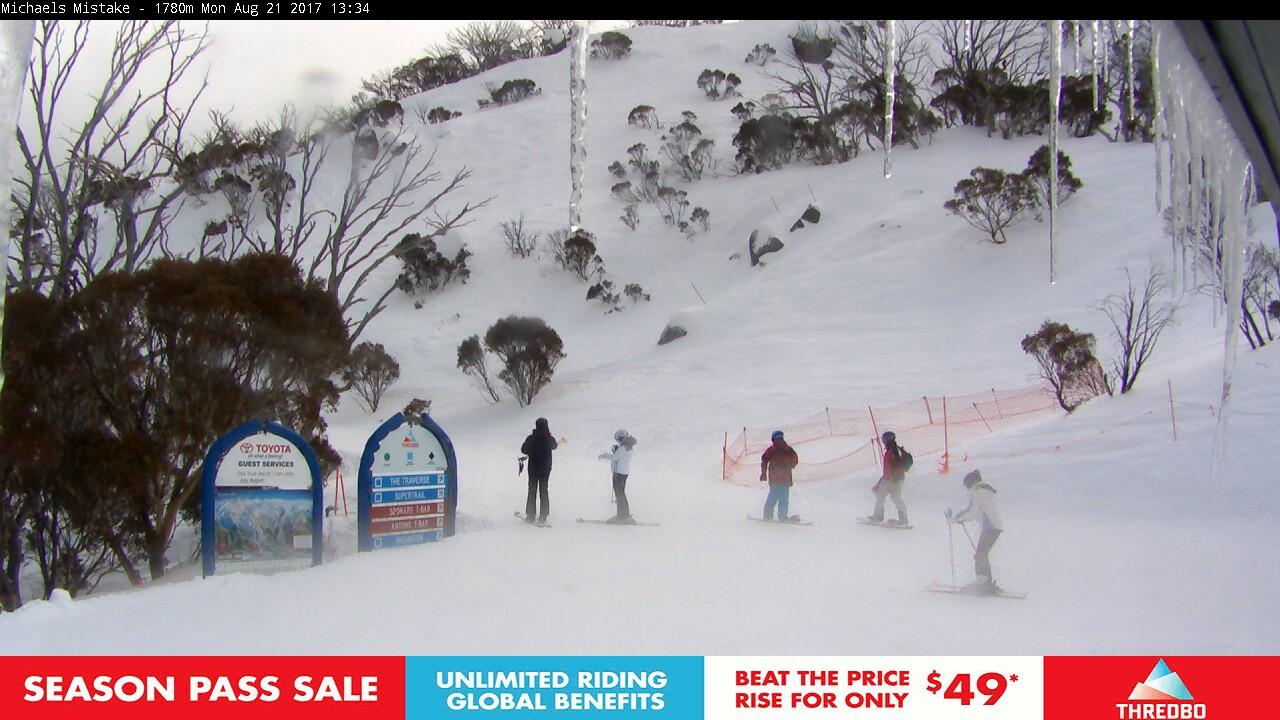 thredbo-snow-pole-1503286803.jpg