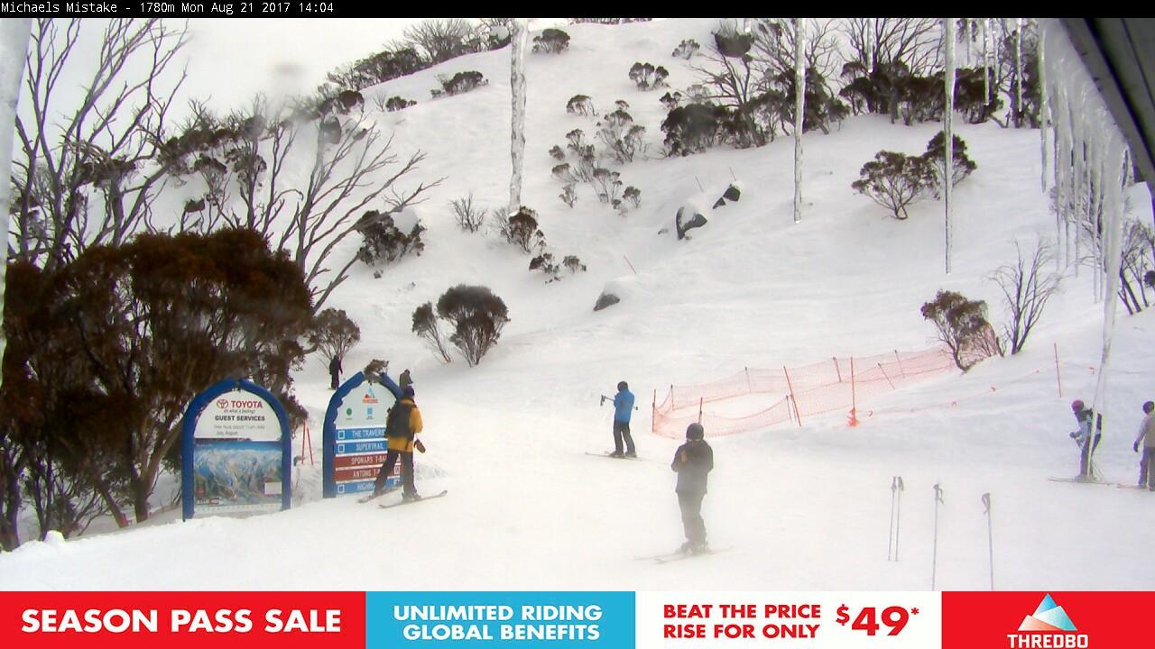 thredbo-snow-pole-1503288602.jpg
