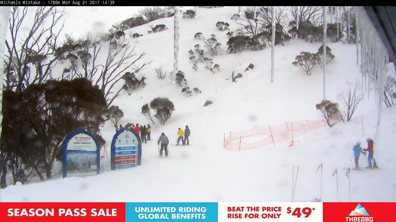 thredbo-snow-pole-1503290662.jpg