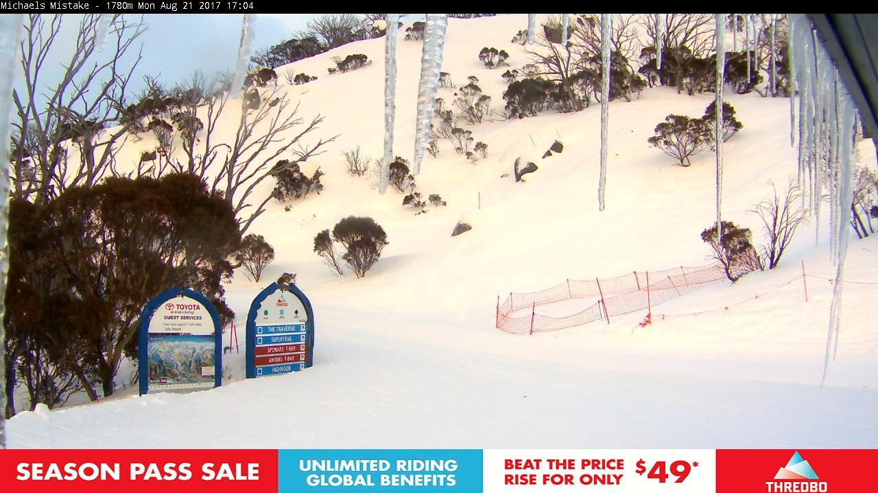thredbo-snow-pole-1503299402.jpg