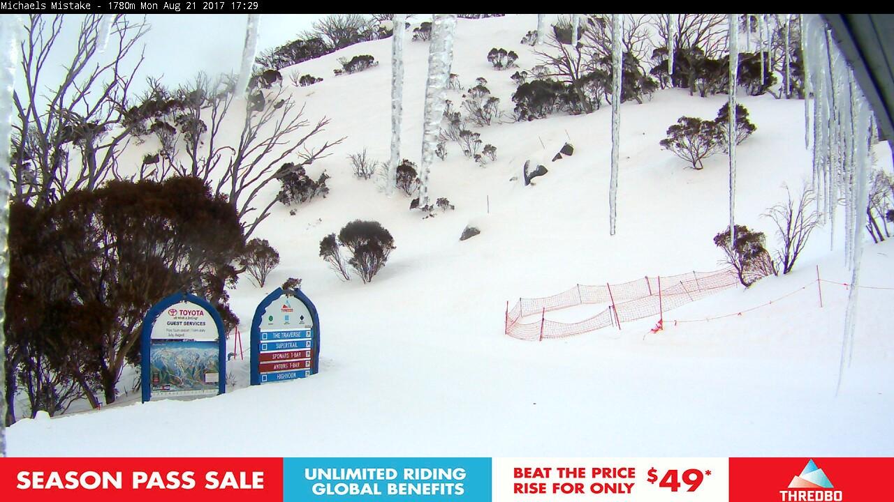thredbo-snow-pole-1503304803.jpg