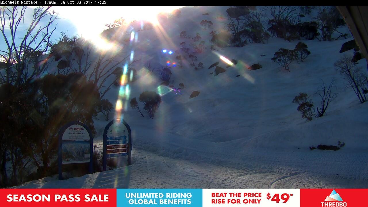 thredbo-snow-pole-1507012564.jpg
